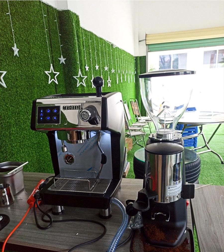 Máy Pha Café CRM3200 tại Trung Tâm Đăng Kiểm Cơ Giới 61-09D