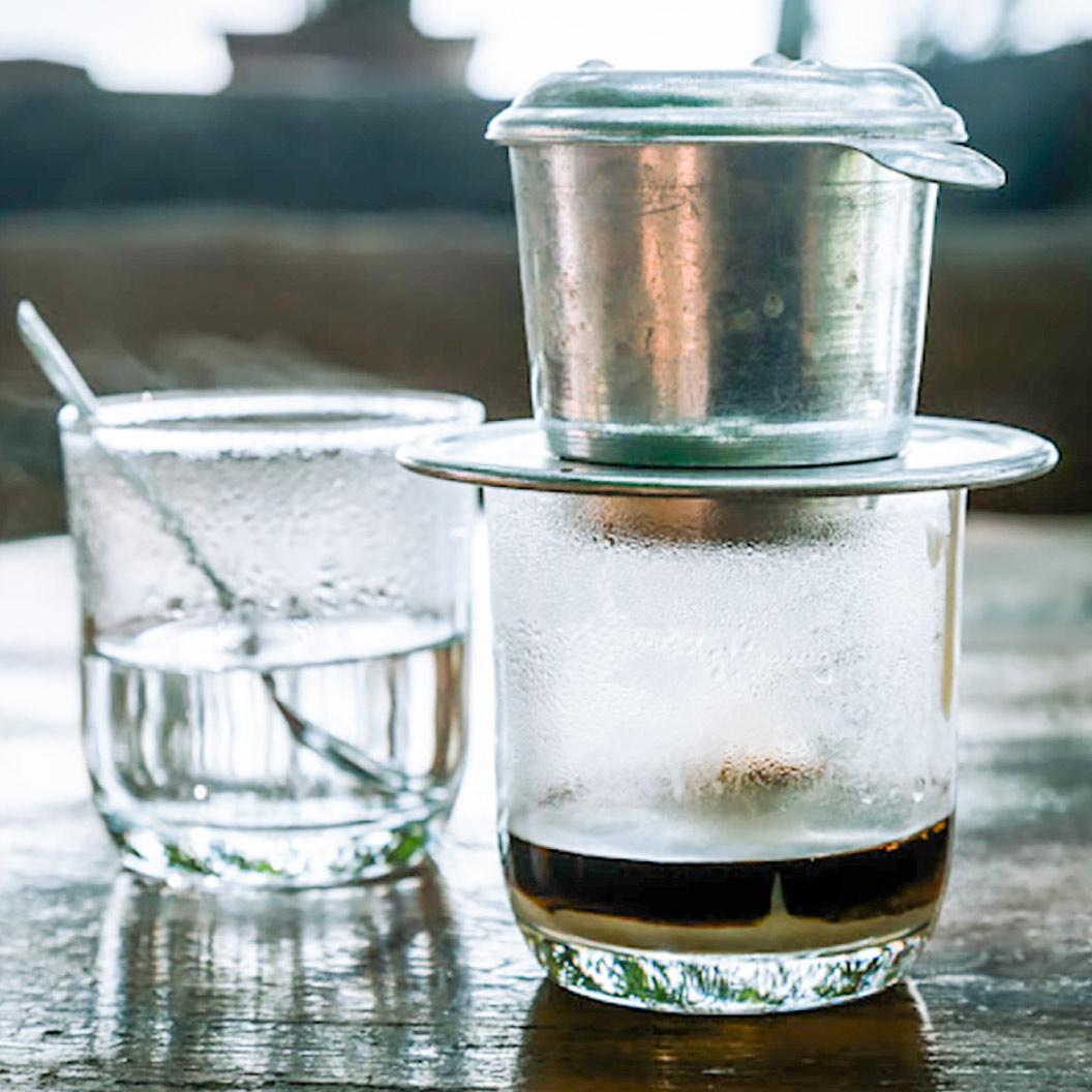 Khái niệm ly cà phê đen xuất hiện từ khi nào?
