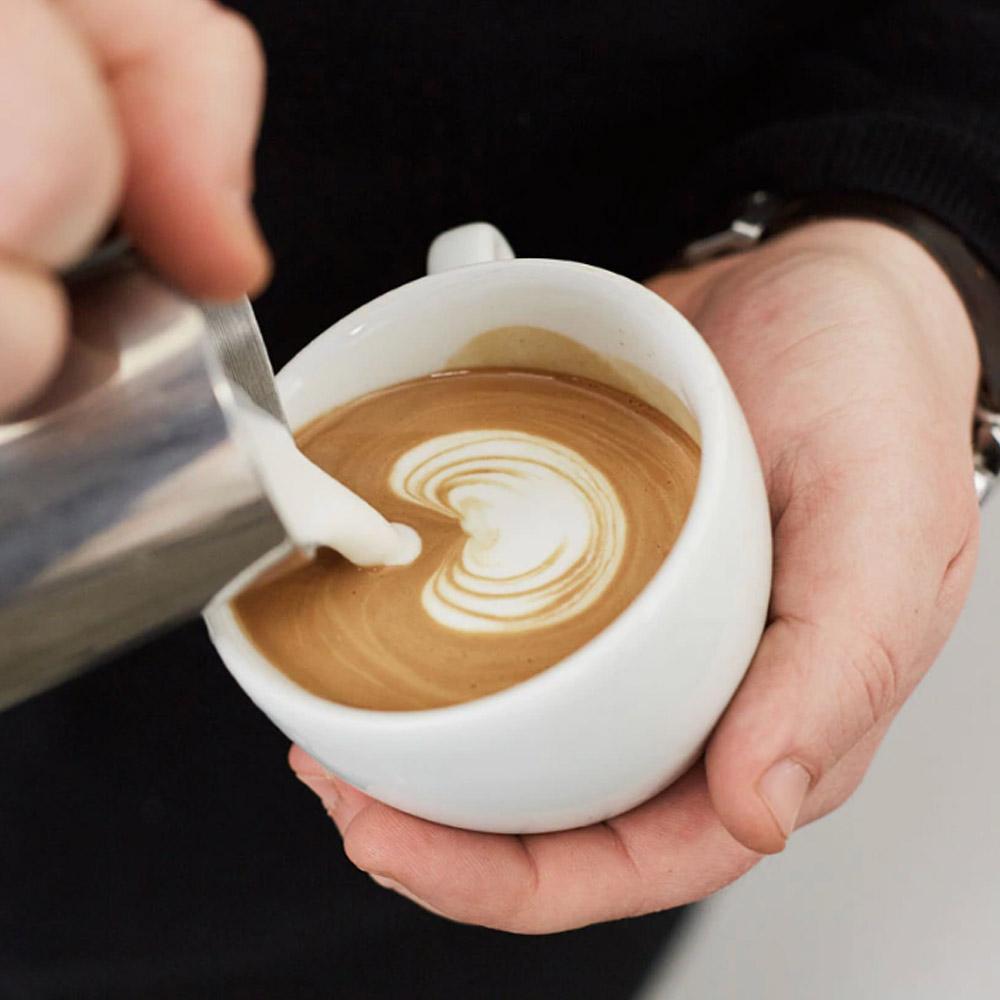 Cách-Pha-Cafe-Latte-Không-Dùng-Máy-Dễ-Làm